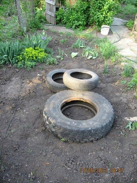 piscine étang avec de vieux pneus (8)