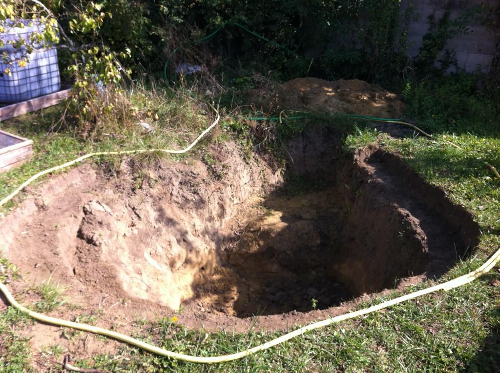 Photo du trou presque fini d'être creusé